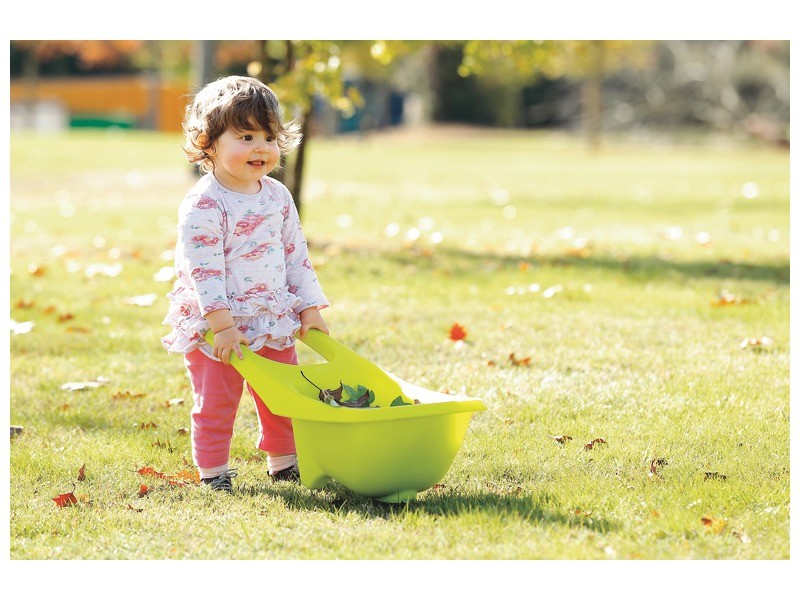 best outdoor toys - wheelbarrow