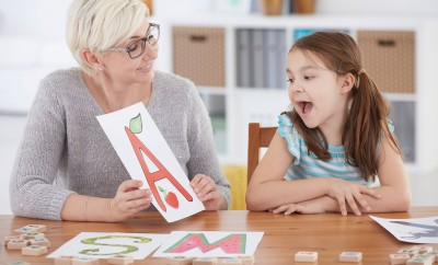 Early years literacy games - teaching the alphabet