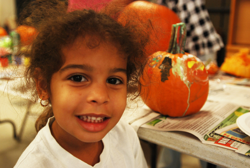 Army kids paint, carve pumpkins for Family Readiness Group
